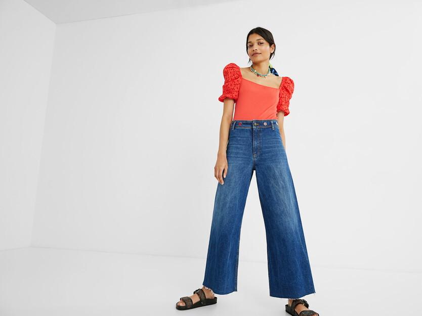 Ankle-Jeans mit weitem Bein