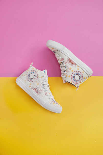 High-top sneakers lace tie-dye