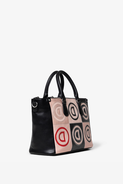 Tasche mit Patch und Logomania