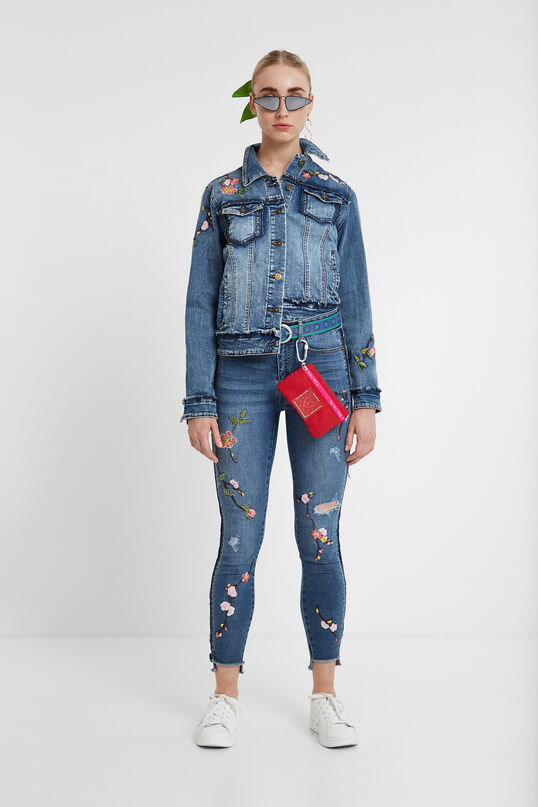 Jean jacket embroidery | Desigual