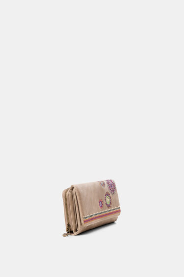 Rectangular wallet embroidered flap | Desigual