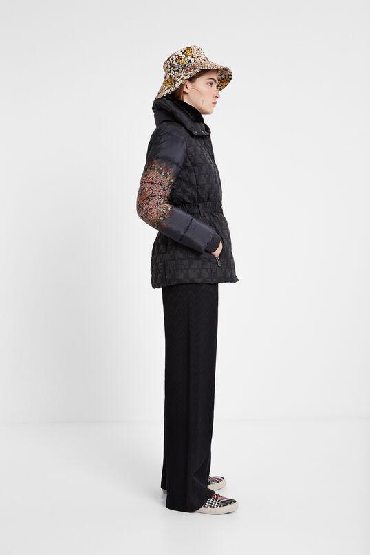 Chaqueta padded cintura ajustable cuello alto | Desigual