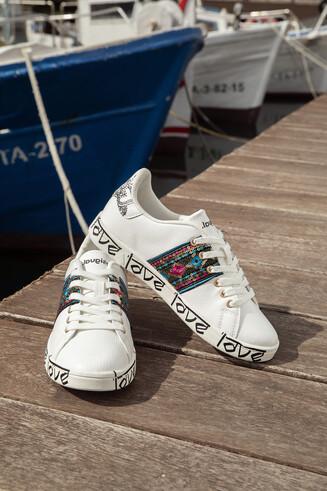 Indisch inspirierte Sneakers LOVE