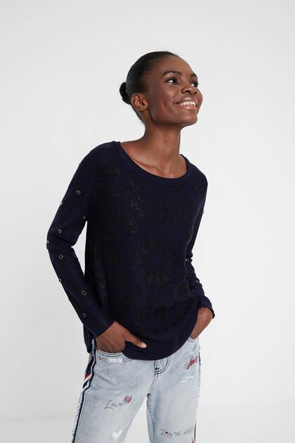 Pull en tricot mandala