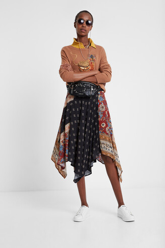 Asymmetric flared patch skirt