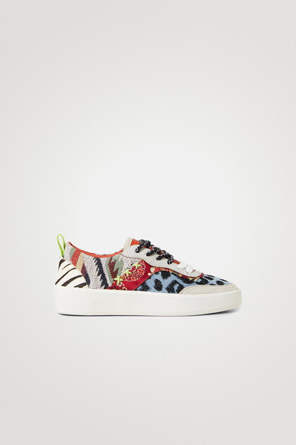 Sneakers chunky sole denim patch