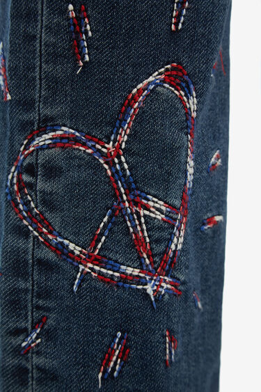 Denim jeans with heart embroidery | Desigual