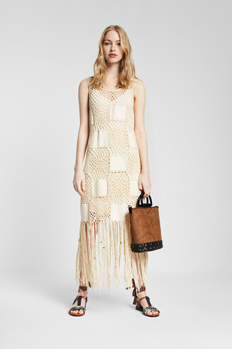 Dress in crochet and fringe