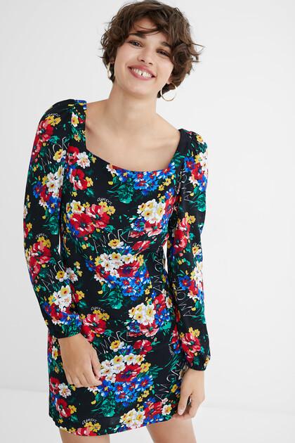 Slim short dress square neckline