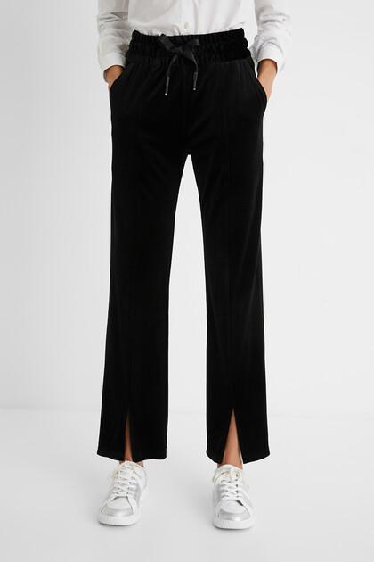Velvety corduroy trousers