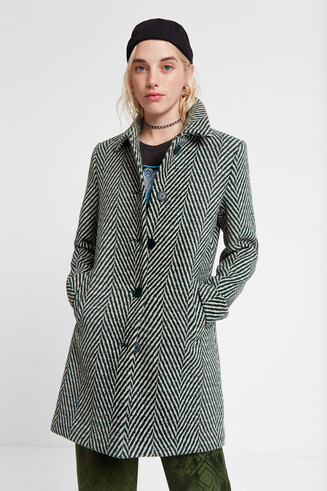 Green zig-zag cloth coat