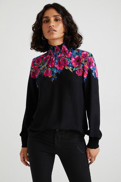 Loose blouse floral yoke