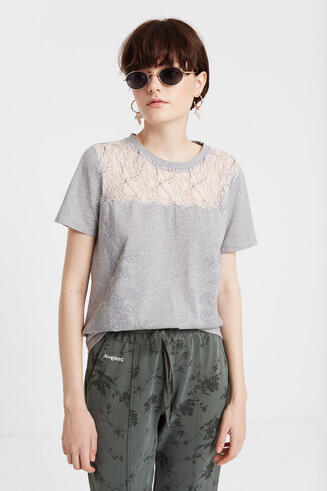 Floral T-shirt with lace