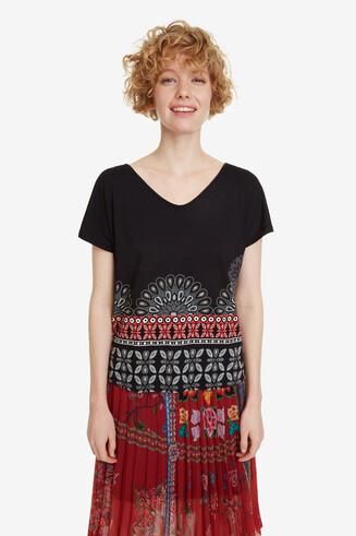 Shirt mit Mandalas und Schleife Uma