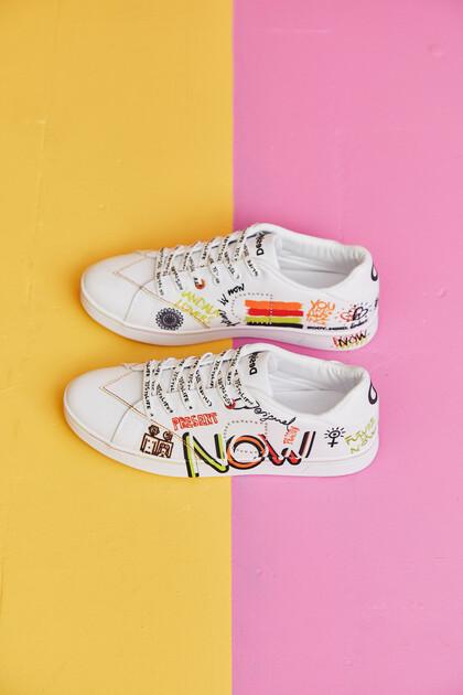 Round toe cap unisex sneakers