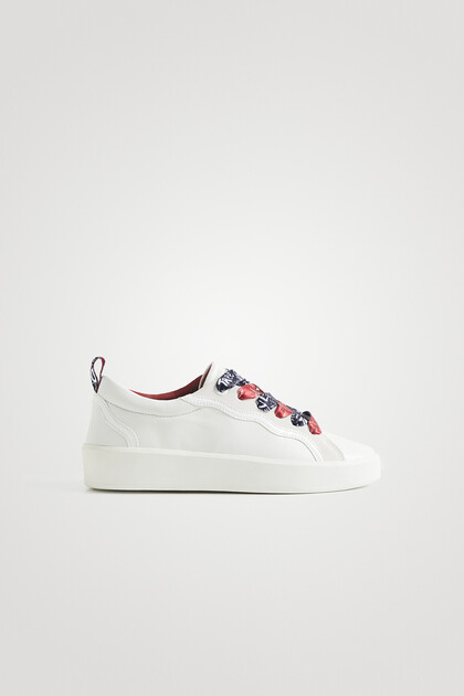 Sneakers double print laces