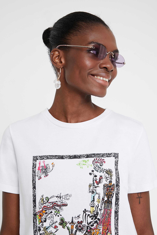 Organic and surrealistic T-shirt   Desigual.