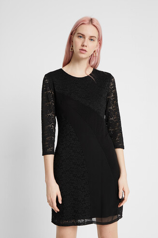 Fitted 3/4 sleeve dress