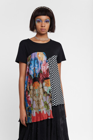 Asymmetric patch T-shirt Designed by M. Christian Lacroix