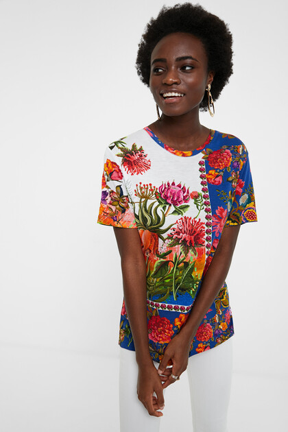 Blumiges Boho-T-Shirt