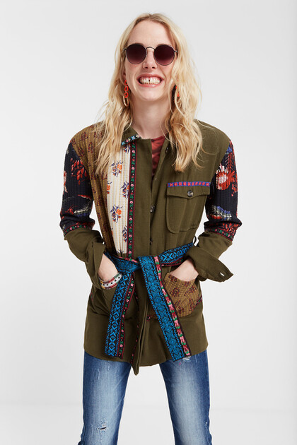 Saharaanse parka met patch en prints
