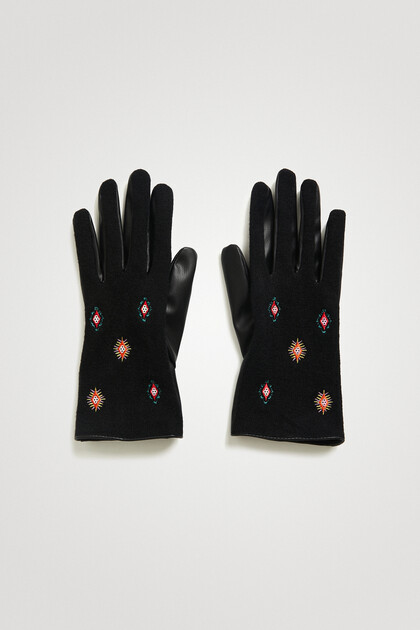 Bimaterial embroidered gloves