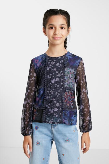 T-shirt met bloemenpatch