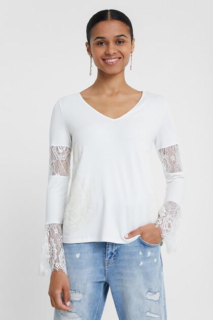 T-shirt basique à dentelle
