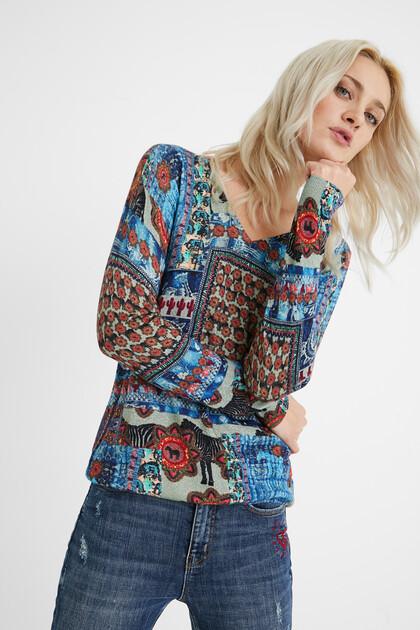 Fine print jumper V-neckline
