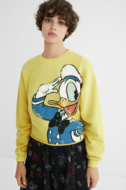 Sweatshirt illustration frayed hem