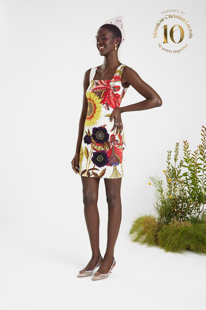 Slim short dress big print