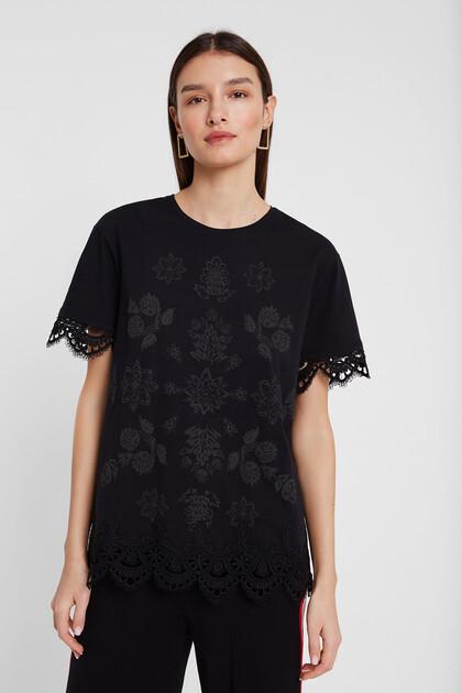 T-shirt à imprimé fleuri et dentelle