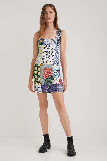 Slim fit jurk met vierkante halslijn en patch   Desigual