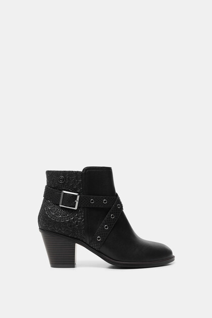 Ankle boot buckles
