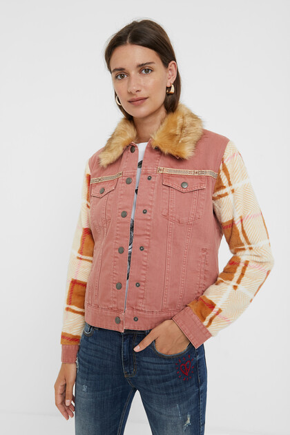 Bimaterial denim jacket with removable collar