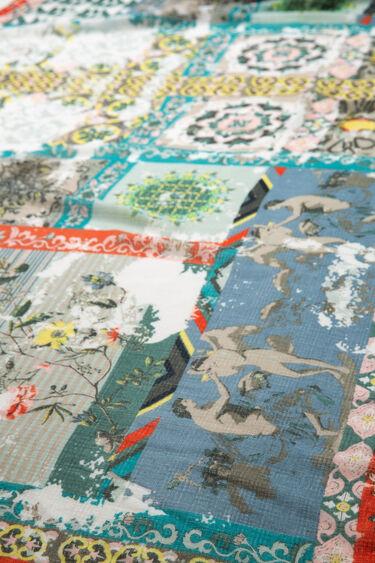 Foulard effet patch oriental | Desigual