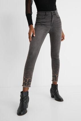 Skinny jeans beads