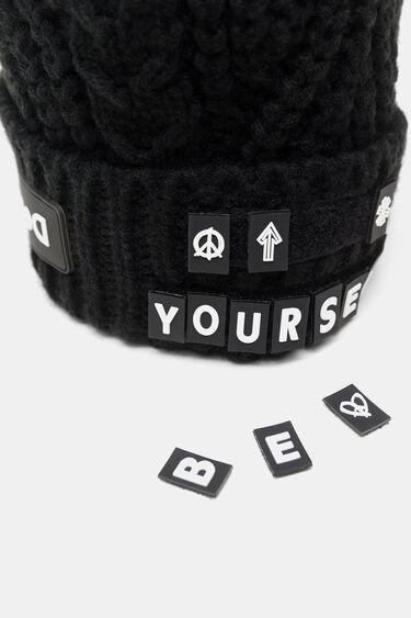 Bonnet tricot lettres détachables | Desigual