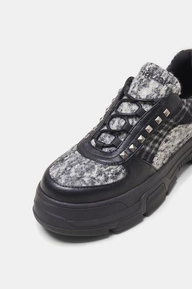 Platform sneakers studs | Desigual