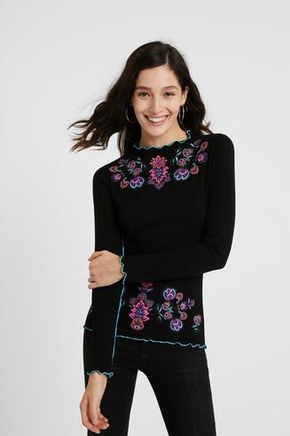 Kwiatowa czarna koszulka