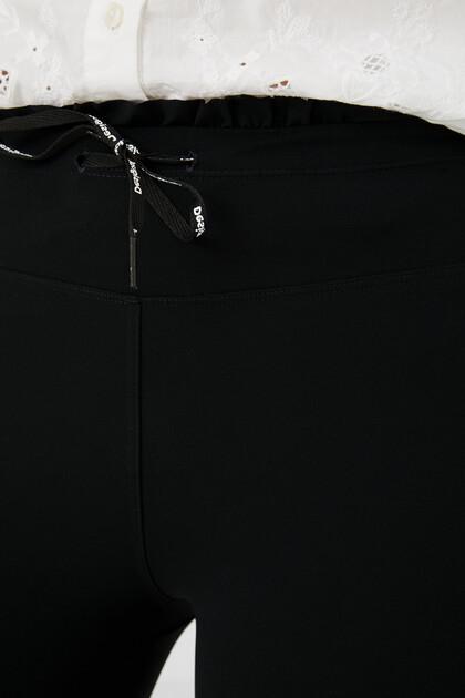 Dopasowane legginsy z tafty