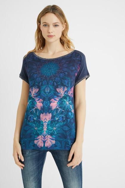 T-shirt mandala studs