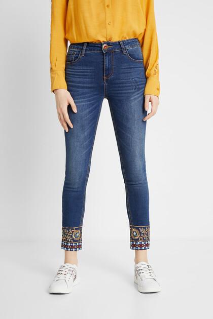 Slim fit skinny jeans