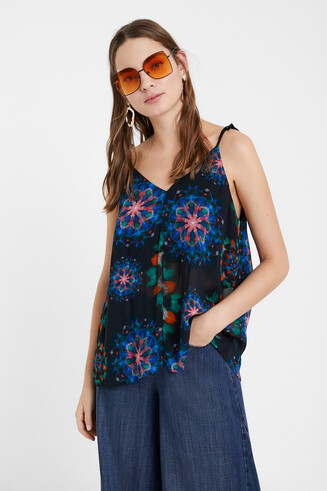 Blouse with straps and mandalas