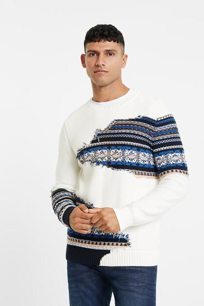 Trykotowy sweter z wizualnym efektem rozprucia