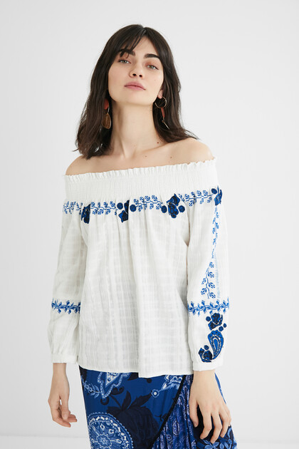 Embroidered blouse boat neck