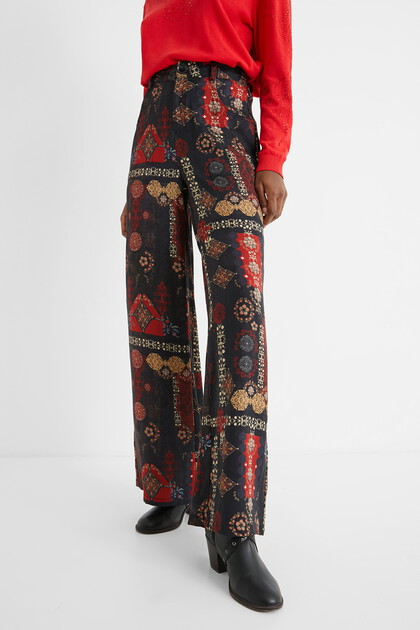 Wide trousers ethnic friezes