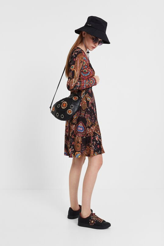 Embroidered heart bag and studs | Desigual