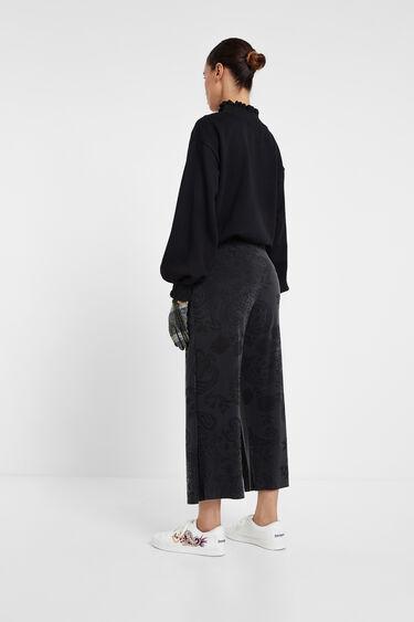 Wide flowing trousers | Desigual