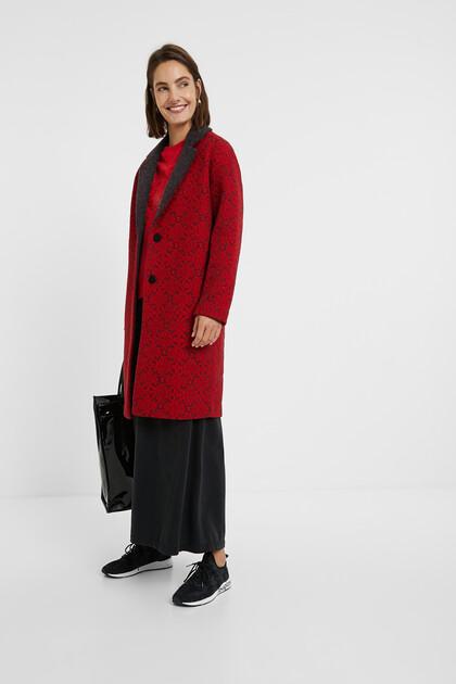 Long tricot coat friezes